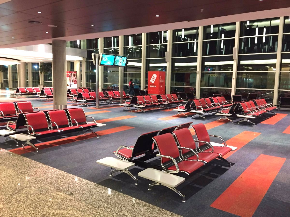 Aeroporto Eze : Sleeping at ezeiza airport