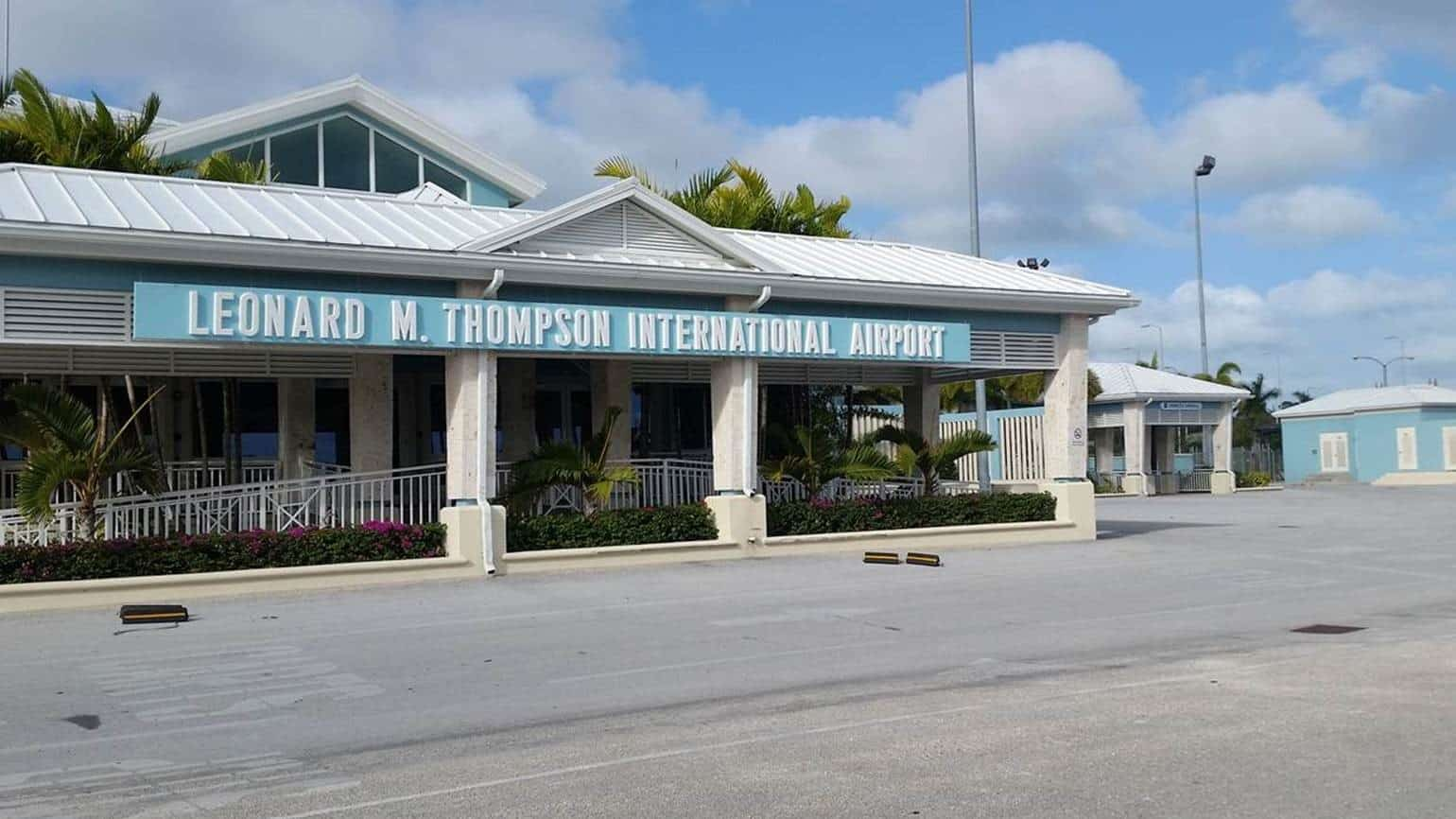 Leonard M. Thompson International Airport (MHH)